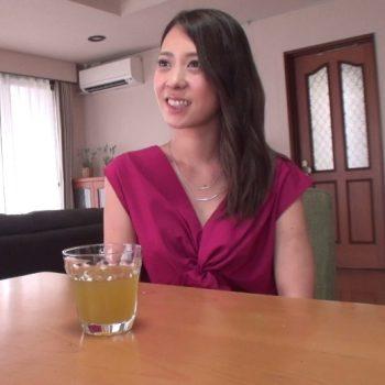 【街行くセレブ人妻ナンパ】結婚4年目27才の美人さん♪めちゃスタイル良くて美乳で最高じゃん!:無料まとめアンテナ