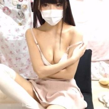 【ライブチャット】キタ!いつもの激カワ素人チャット女子がスラっとしたキレイなカラダを披露するぞー!!